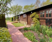 Snaptrip - Last minute cottages - Quaint Tenterden Rental S10584 - TN441 Exterior