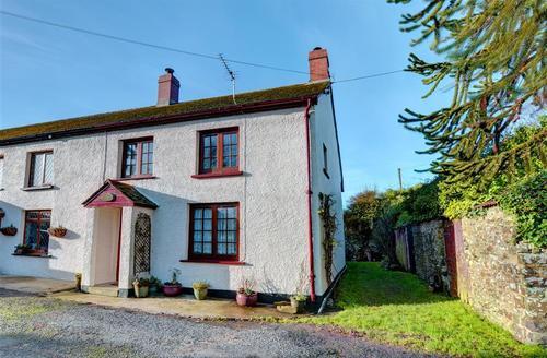 Snaptrip - Last minute cottages - Cosy Parkham Cottage S43604 - External - View 1
