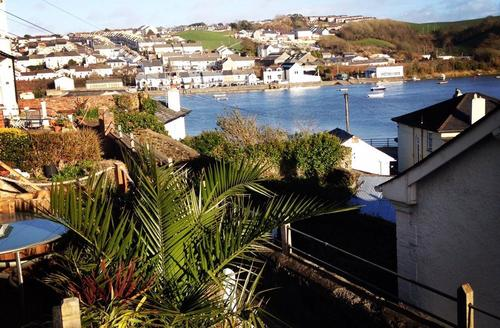 Snaptrip - Last minute cottages - Cosy Bideford Cottage S49671 - RIVER VIEW 1