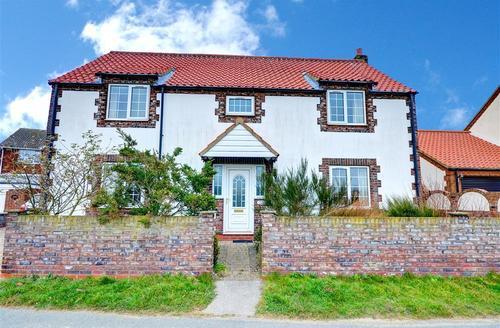 Snaptrip - Last minute cottages - Wonderful Nr Bridlington Rental S10718 - Exterior View