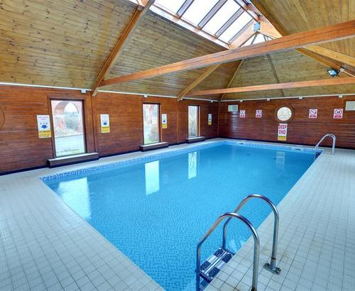 Superb whitby rental s10737 captain cook 39 s haven whitby - Swimming pools in south yorkshire ...