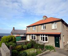 Snaptrip - Last minute cottages - Captivating Sandsend Rental S10756 - WA827 - exterior