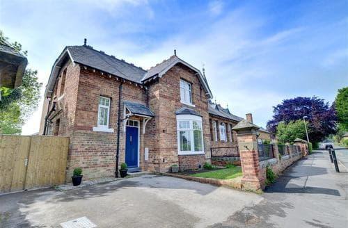 Snaptrip - Last minute cottages - Beautiful Scarborough Rental S10761 - Exterior - View 1