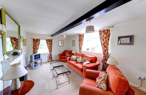 Snaptrip - Last minute cottages - Excellent Leyburn Rental S10774 - Sitting Room