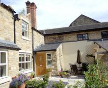 Snaptrip - Last minute cottages - Cosy Richmond Rental S10837 - Exterior View