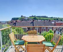 Snaptrip - Last minute cottages - Lovely Whitby Rental S10856 - Balcony