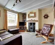 Snaptrip - Last minute cottages - Beautiful Robin Hoods Bay Rental S11001 - Living Room