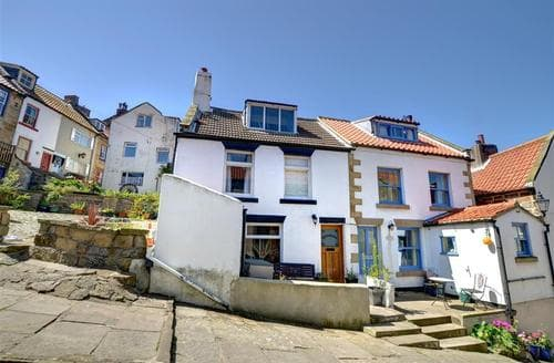 Snaptrip - Last minute cottages - Inviting Staithes Rental S10885 - Exterior 1