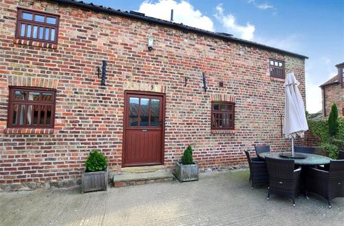 Snaptrip - Last minute cottages - Exquisite Fraisthorpe    Rental S10888 - Exterior View