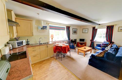 Snaptrip - Last minute cottages - Excellent Leyburn Rental S10904 - Kitchen - View 1
