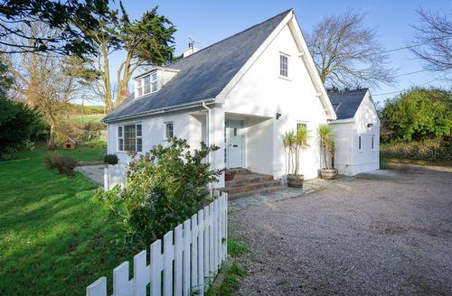 Snaptrip - Last minute cottages - Attractive Abersoch Lodge S73724 - THEORC - Exterior View 1