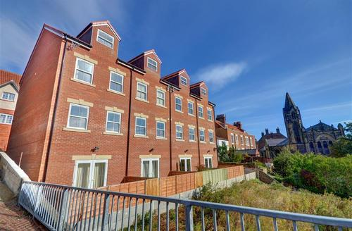Snaptrip - Last minute cottages - Stunning Whitby Rental S10936 - Exterior - View 1