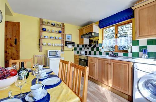 Snaptrip - Last minute cottages - Luxury Blaenau Ffestiniog Rental S11183 - WAG545 - Kitchen