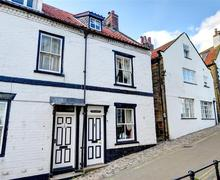 Snaptrip - Last minute cottages - Superb Robin Hood's Bay Rental S10977 - Exterior View