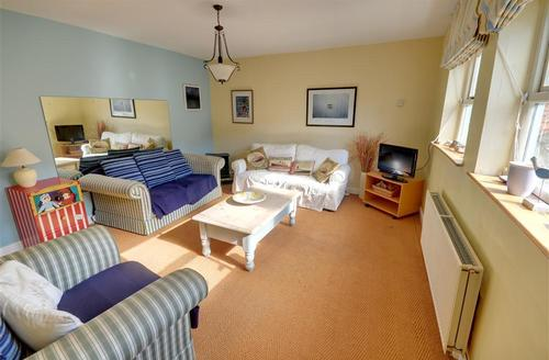 Snaptrip - Last minute cottages - Charming Whitby Rental S10987 - Lounge