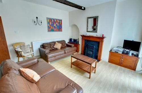 Snaptrip - Last minute cottages - Splendid Whitby Rental S10993 - Lounge - View 1
