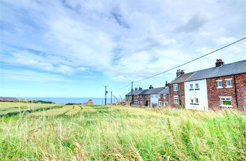 Snaptrip - Last minute cottages - Exquisite Saltburn By The Sea. Rental S11006 - Exterior - View 1