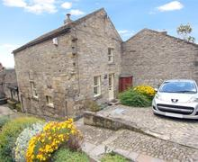 Snaptrip - Last minute cottages - Beautiful Leyburn Rental S11018 - DS049_1 new sky