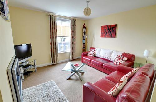 Snaptrip - Last minute cottages - Superb Whitby Rental S11029 - Lounge - View 1