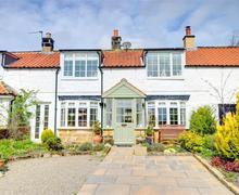 Snaptrip - Last minute cottages - Stunning Aislaby Nr Whitby Rental S11039 - Exterior View