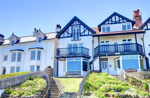 Snaptrip - Last minute cottages - Splendid Sandsend, Whitby Rental S11049 - Exterior View
