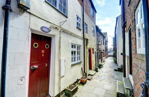 Snaptrip - Last minute cottages - Splendid Whitby Rental S11061 - Exterior View