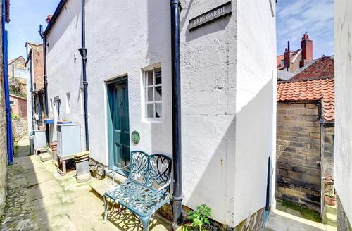 Snaptrip - Last minute cottages - Splendid Robin Hood's Bay Rental S11083 - Exterior View