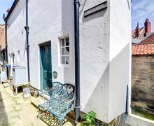 Snaptrip - Last minute cottages - Splendid Robin Hood's Bay Rental S11083 - Exterior View