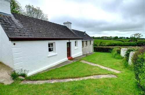 Snaptrip - Last minute cottages - Adorable New Quay Rental S11197 - WAS395 - Exterior View 1