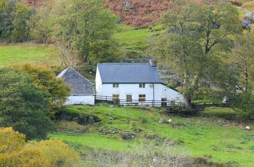 Snaptrip - Last minute cottages - Luxury Rhayader Rental S11206 - Exterior - View 1