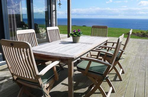 Snaptrip - Last minute cottages - Superb Cornwall Talland Bay Cottage S58506 - Number 39 decking