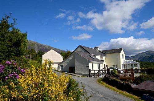 Snaptrip - Last minute cottages - Luxury Caernarfon Rental S11238 - WAG215 - Exterior - View 1