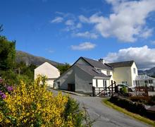Snaptrip - Last minute cottages - Luxury Caernarfon Rental S11238 - WAG215 - Exterior - View 1