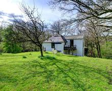 Snaptrip - Last minute cottages - Splendid Whitland Rental S11240 - WAV432 - Exterior - View 2