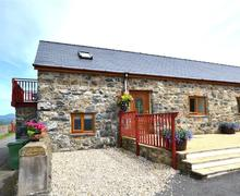 Snaptrip - Last minute cottages - Cosy Tywyn Rental S11308 - WAH620 - Exterior View 1