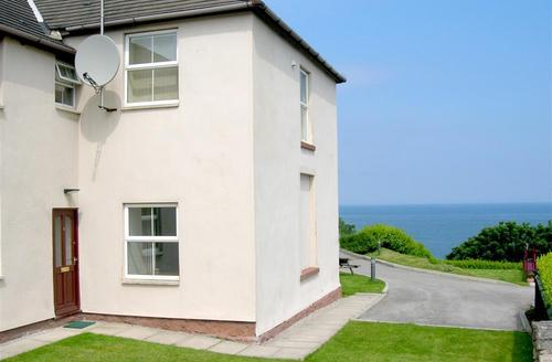 Snaptrip - Last minute cottages - Captivating Abergele Rental S11319 - Exterior - View 1