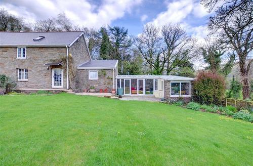 Snaptrip - Last minute cottages - Exquisite Neath Rental S11323 - WAY184 - Exterior View 1