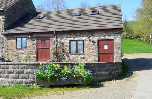 Snaptrip - Last minute cottages - Attractive Welshpool Rental S11325 - WAE212 - Exterior View 1