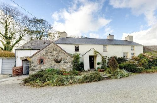 Snaptrip - Last minute cottages - Attractive Llanerchymedd Rental S11330 - Exterior
