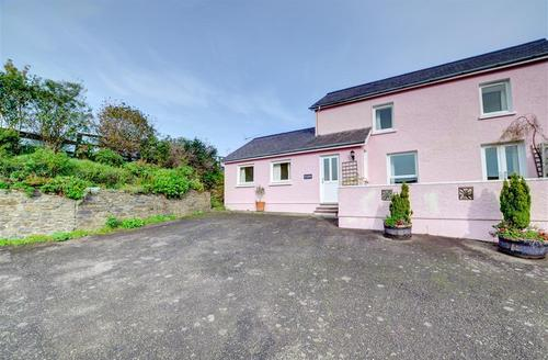 Snaptrip - Last minute cottages - Excellent Aberaeron Rental S11367 - Exterior - View 1
