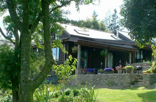 Snaptrip - Last minute cottages - Lovely Llandrindod Wells Rental S11385 - Exterior View 1