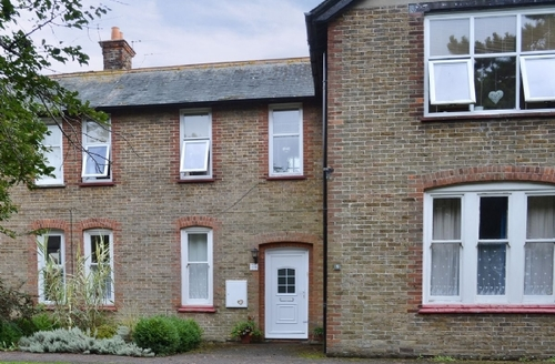Snaptrip - Last minute cottages - Cosy Broadstairs Apartment S40999 -