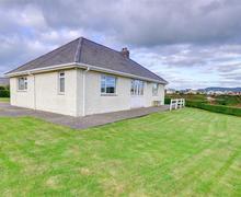 Snaptrip - Last minute cottages - Excellent Pwllheli Rental S11438 - Exterior - View 1