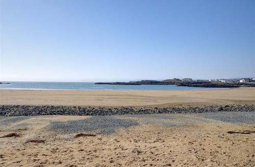 Snaptrip - Last minute cottages - Superb Holyhead Rental S11459 - WAI200 - Local Beach - View 1