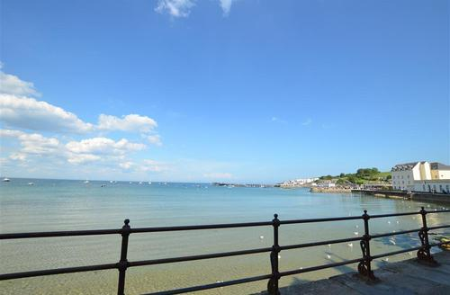 Snaptrip - Last minute cottages - Stunning Swanage Rental S11535 - View 1