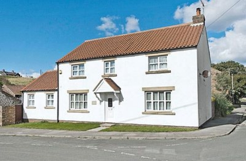 Snaptrip - Last minute cottages - Attractive Filey Cottage S15078 -
