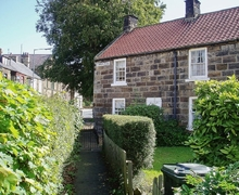 Snaptrip - Last minute cottages - Superb Staithes Cottage S15522 -