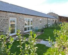 Snaptrip - Last minute cottages - Adorable Dalton Cottage S11622 -