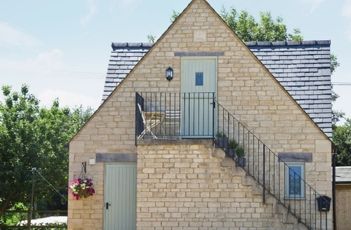 Snaptrip - Last minute cottages - Adorable Bourton On The Water Apartment S16104 -