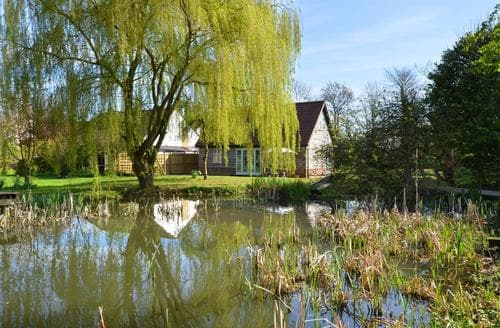 Snaptrip - Last minute cottages - Tasteful Mattishall Rental S11675 - Pond View 1